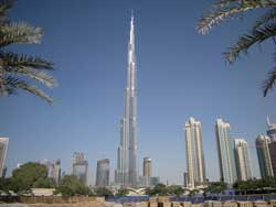 Dubai's Burj Khalifa gets finishing iconic glass