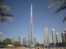 Dubai's Burj Khalifa gets finishing iconic glass
