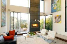 Lindsay Lohan auctions property in Venice, California