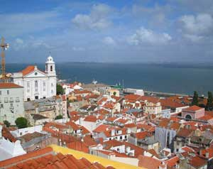Portugal dangles visa incentives to boost property sales