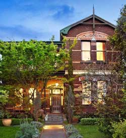 Rose Porteous tries to sell Toorak home for $4.5M